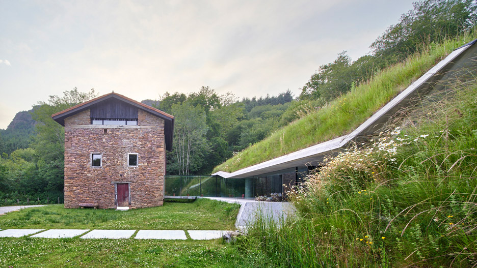 Jordi Hidalgo Tane Adds Underground Concrete Annex To House In Spain