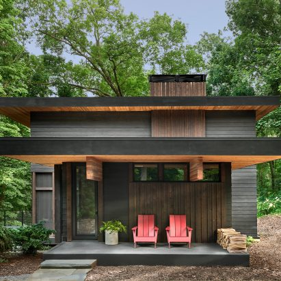 Lawless Retreat by Searl Lamaster Howe Architects