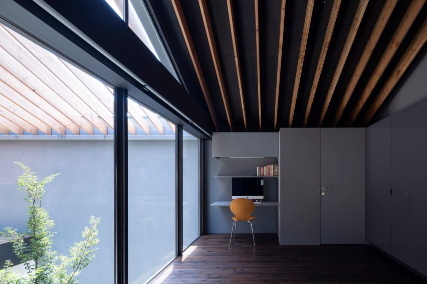 Leaf by Apollo Architects & Associates