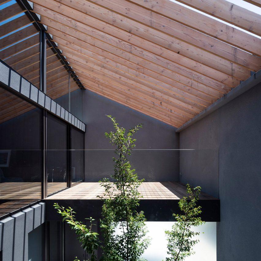Leaf by Apollo Architects & Associates