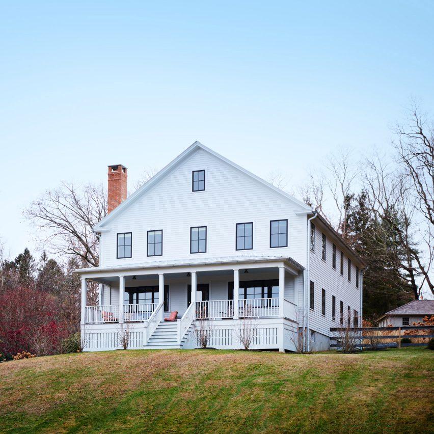 "Hendricks Churchill builds ""modern farmhouse"" in Connecticut"