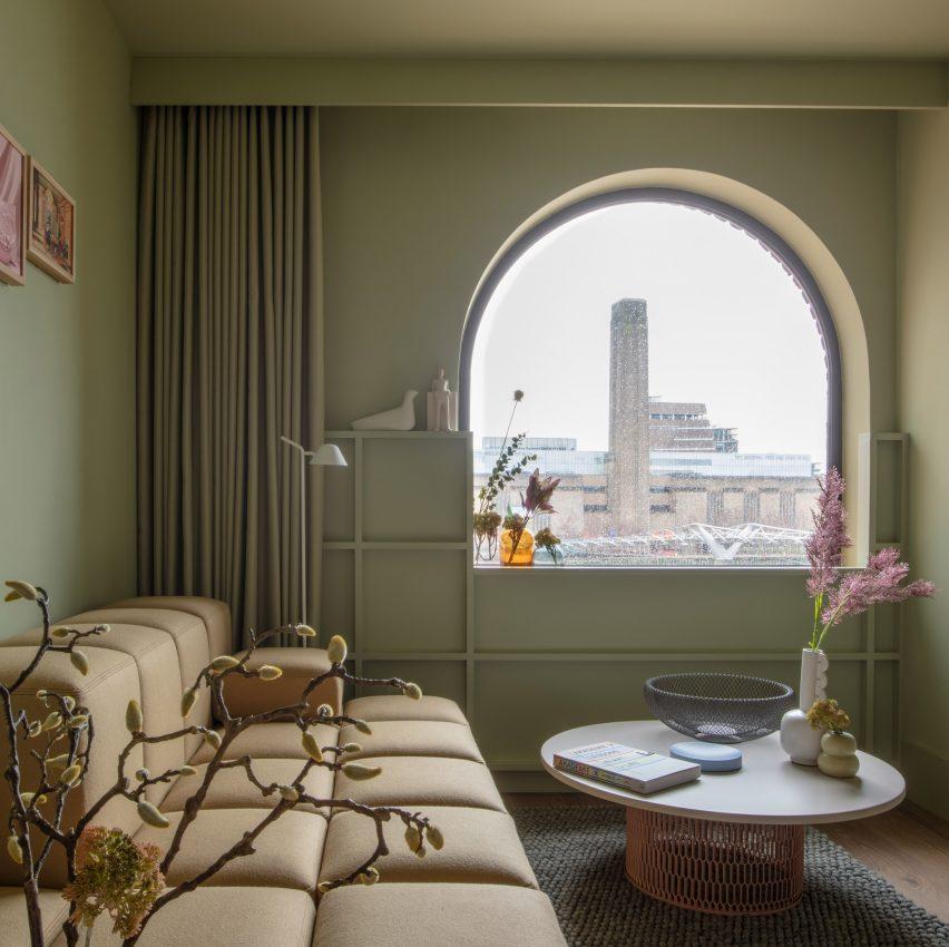 Locke at Broken Wharf hotel by Grzywinski+Pons