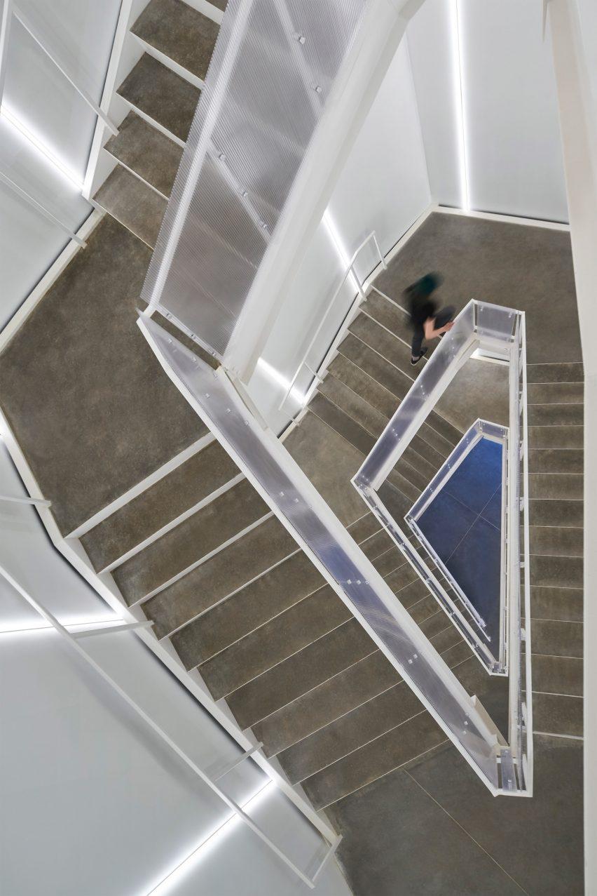 Oklahoma Contemporary by Rand Elliot Architects