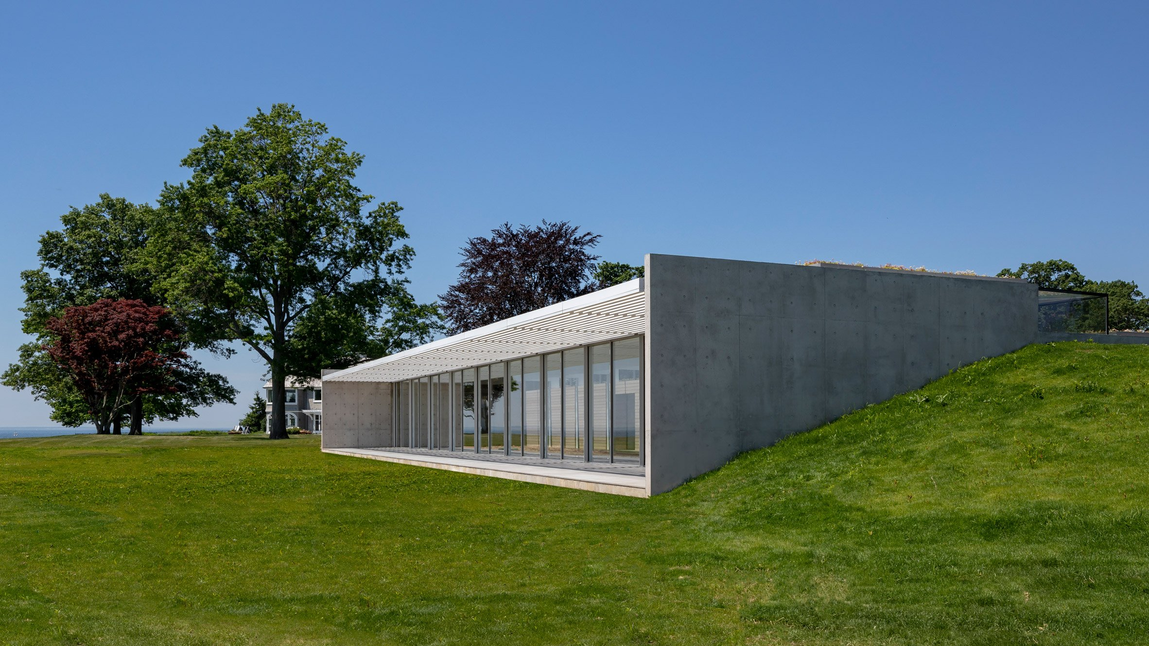 Pool House by Roger Ferris + Partners
