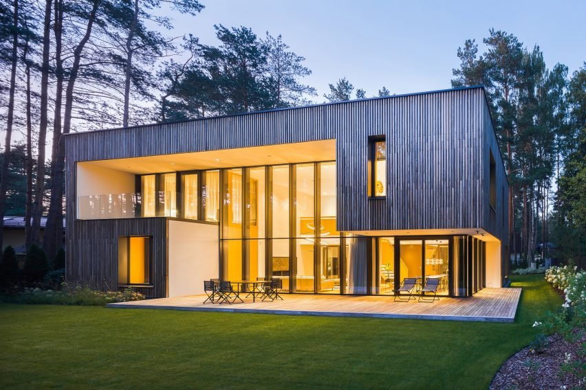 Smilgu House by Plazma