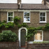 Vestry Road house extension by Oliver Leech Architects facade
