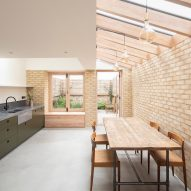 Vestry Road house extension by Oliver Leech Architects kitchen