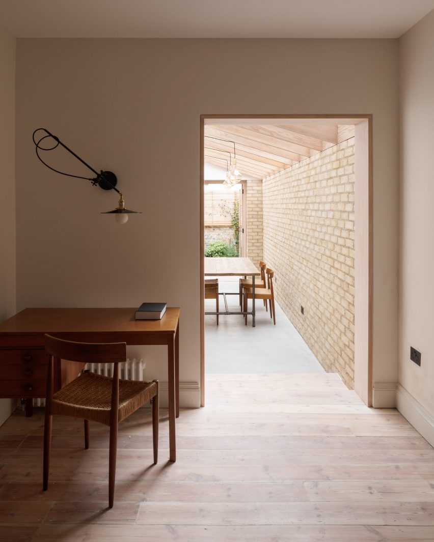Vestry Road house extension by Oliver Leech Architects study