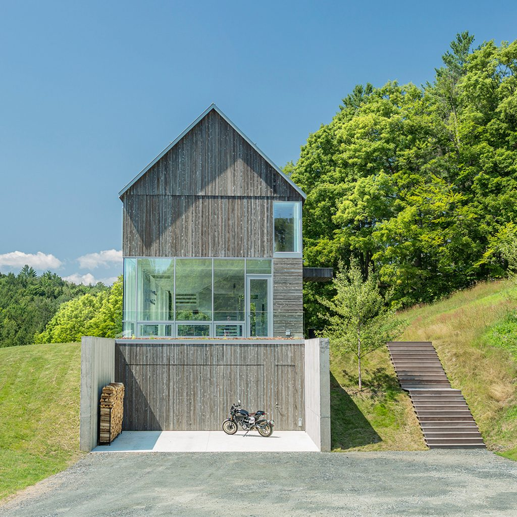 Birdseye Design integrates Bank Barn house into Vermont hillside
