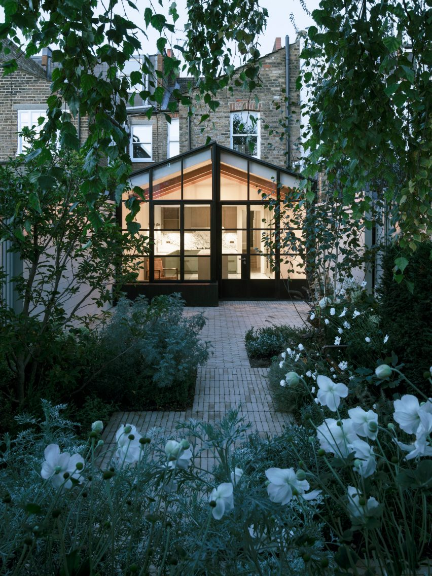 Burnt House by Will Gamble Architects and Smith & Butler looks like a Japanese tea house