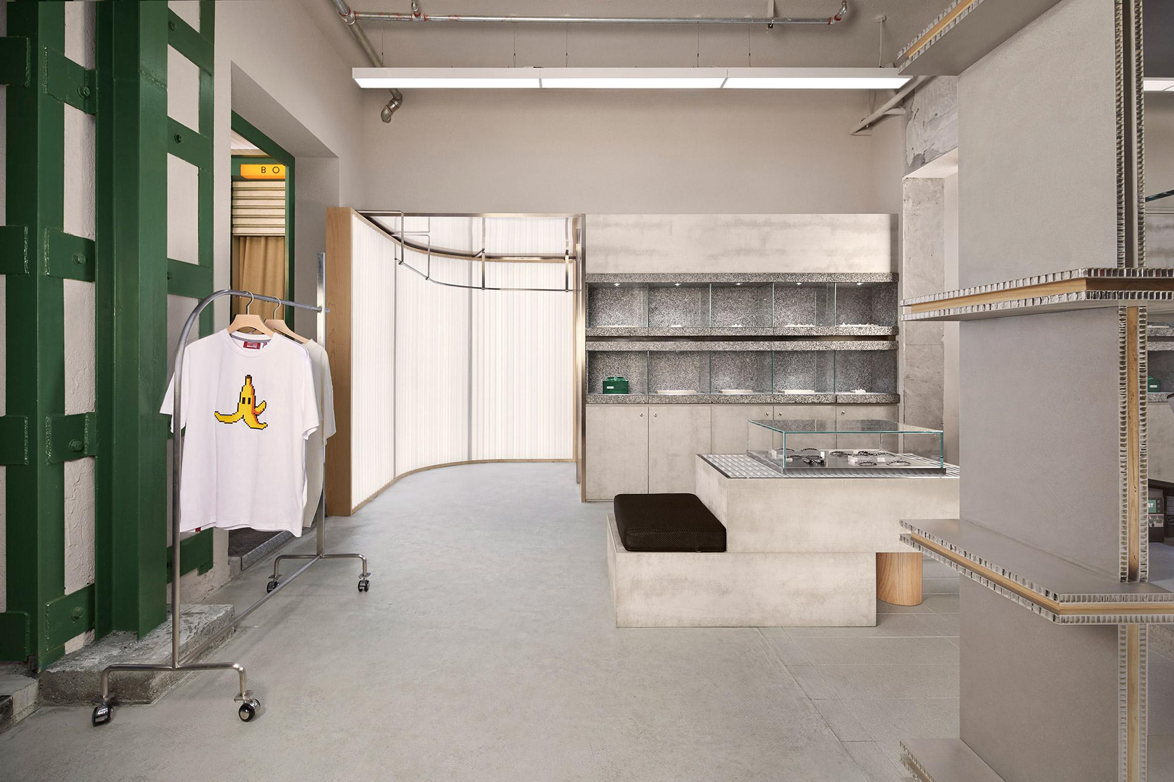 Canal St store by Sò Studio