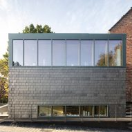 Architect Bruno Stevens designs slate-covered studio for his ceramist mother