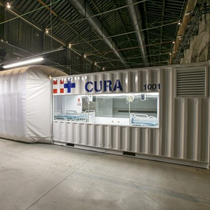 Connected Units for Respiratory Ailments (CURA) intensive care  shipping-container pod by Carlo Ratti and Italo Rota