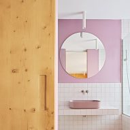 Gallery House by Raúl Sánchez Architects pink bathroom