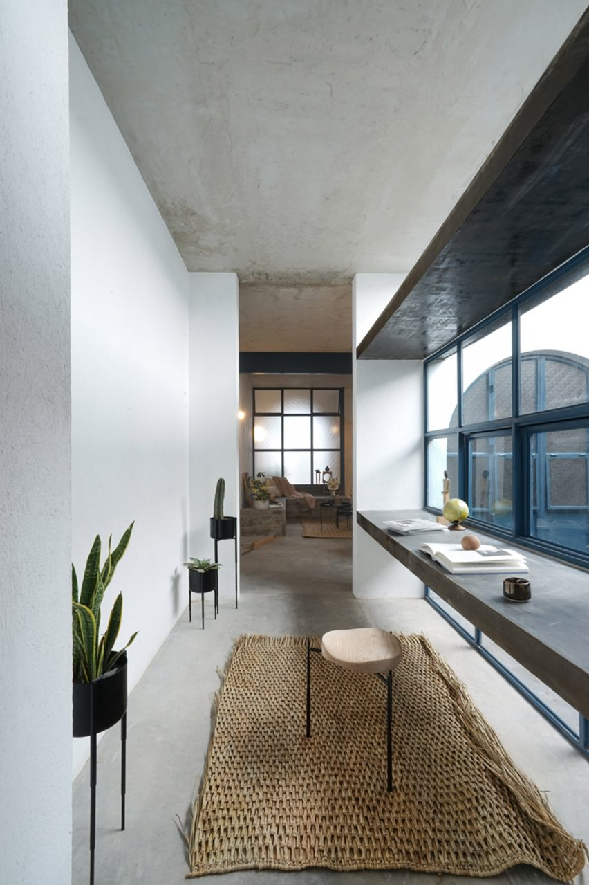 House B836 by Delfino Lozano