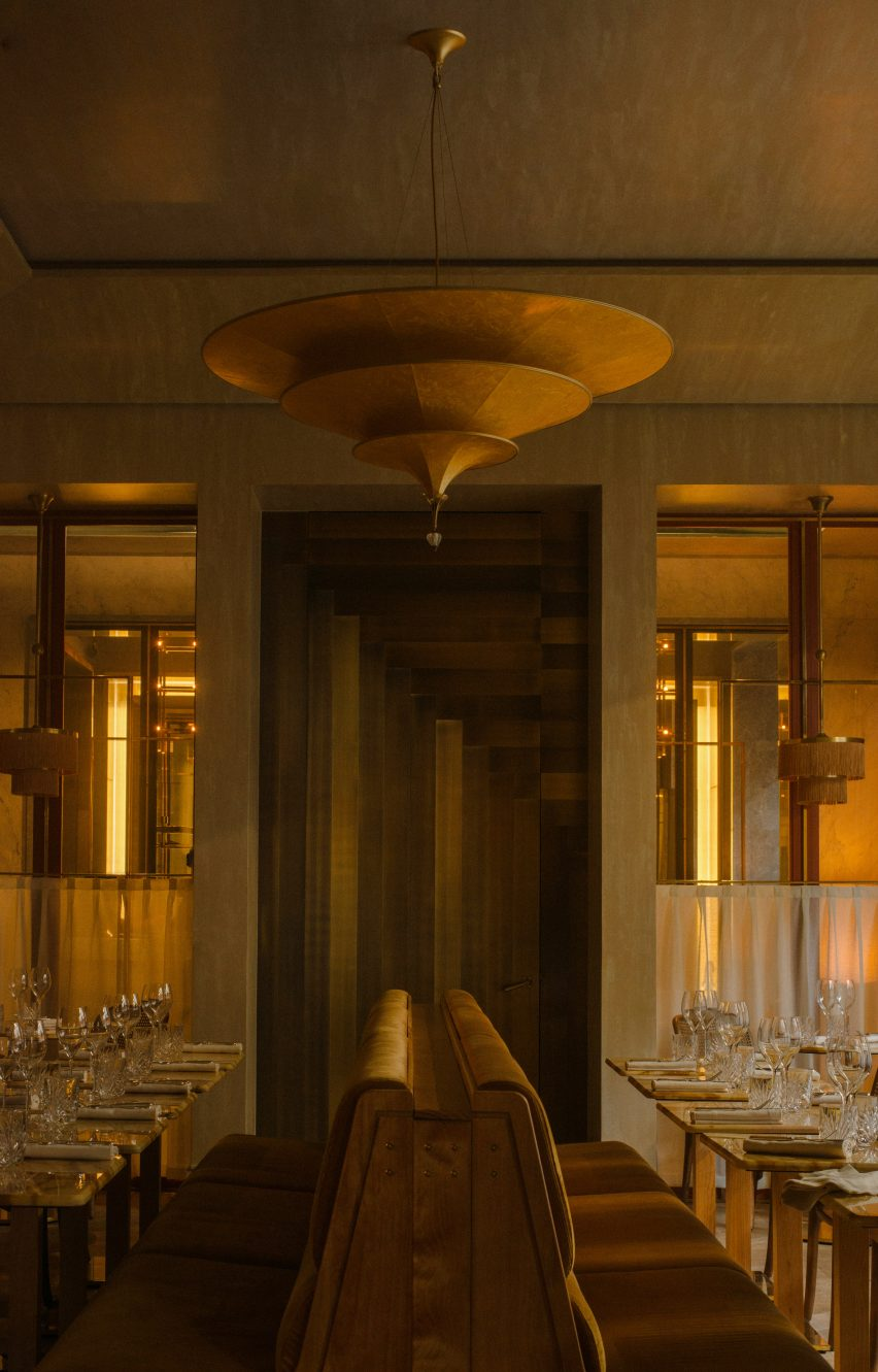 Nolinski restaurant in Paris, designed by John Whelan