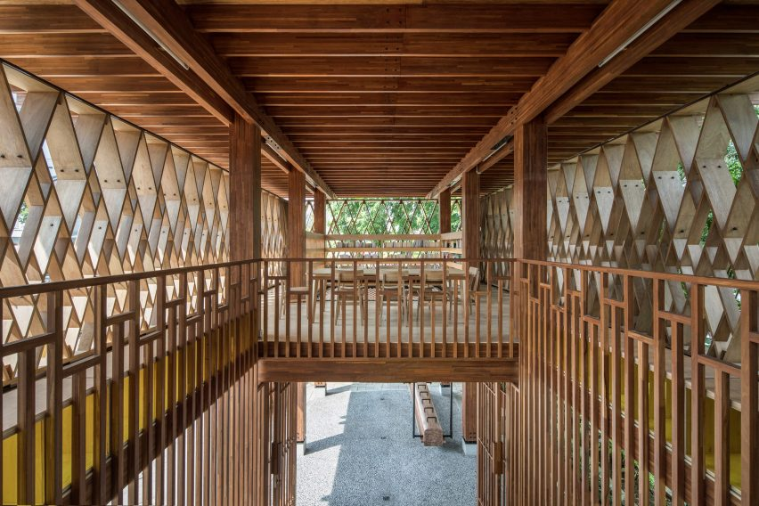 Microlibrary Warak Kayu by Shau wooden structure