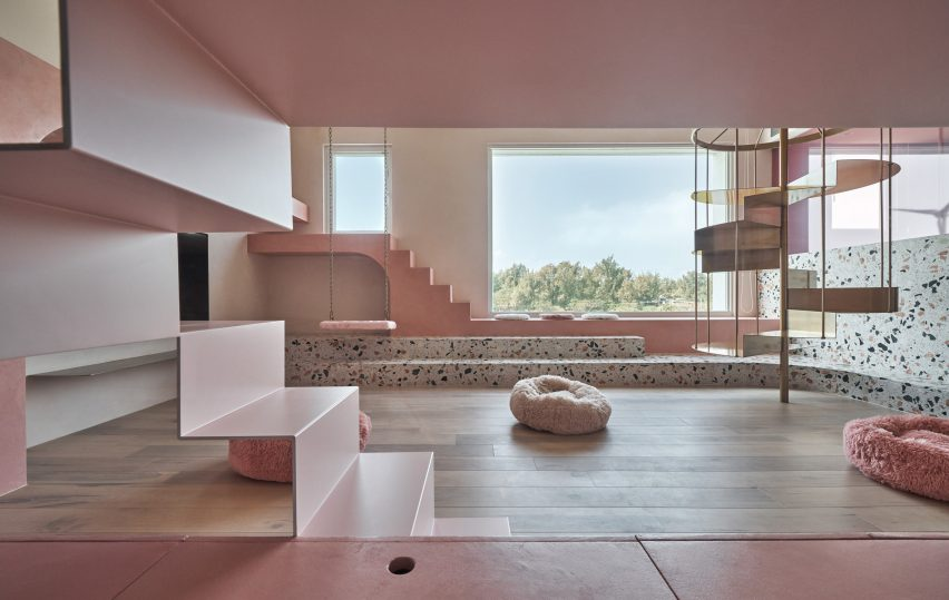 the-pink-house-kc-design-studio-holiday-home-taiwan_dezeen_2364_col_1-852x539.jpg