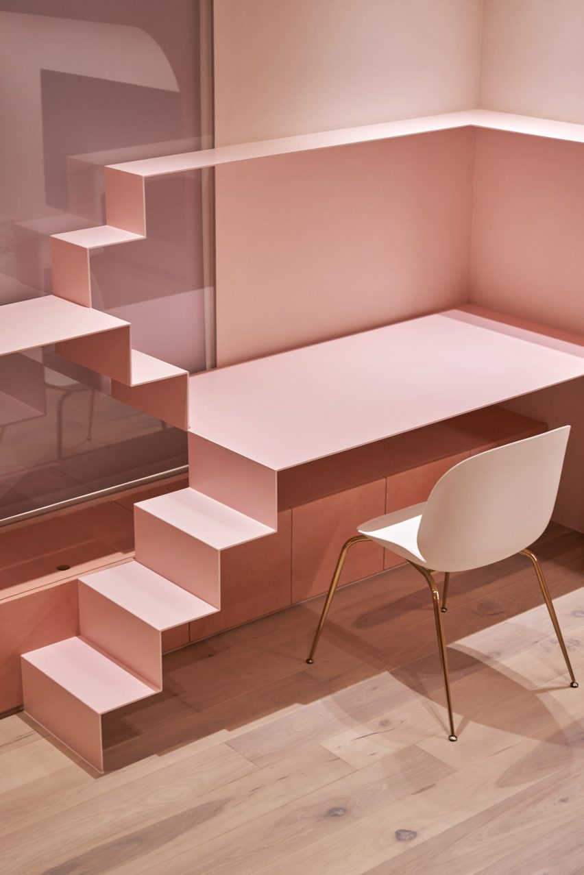 the-pink-house-kc-design-studio-holiday-home-taiwan_dezeen_2364_col_8-852x1277.jpg