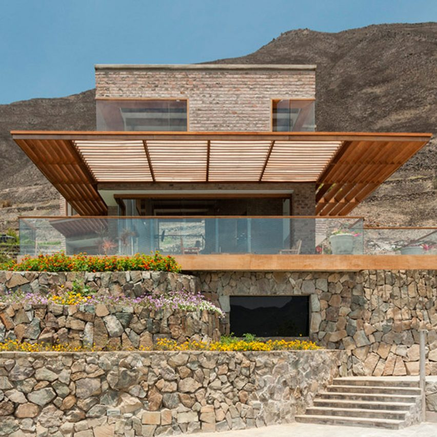 House in Azpitia by Rafael Freyre