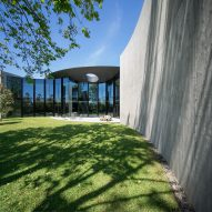 Towers Road House by Wood Marsh