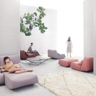 Absent sofa by Prostoria