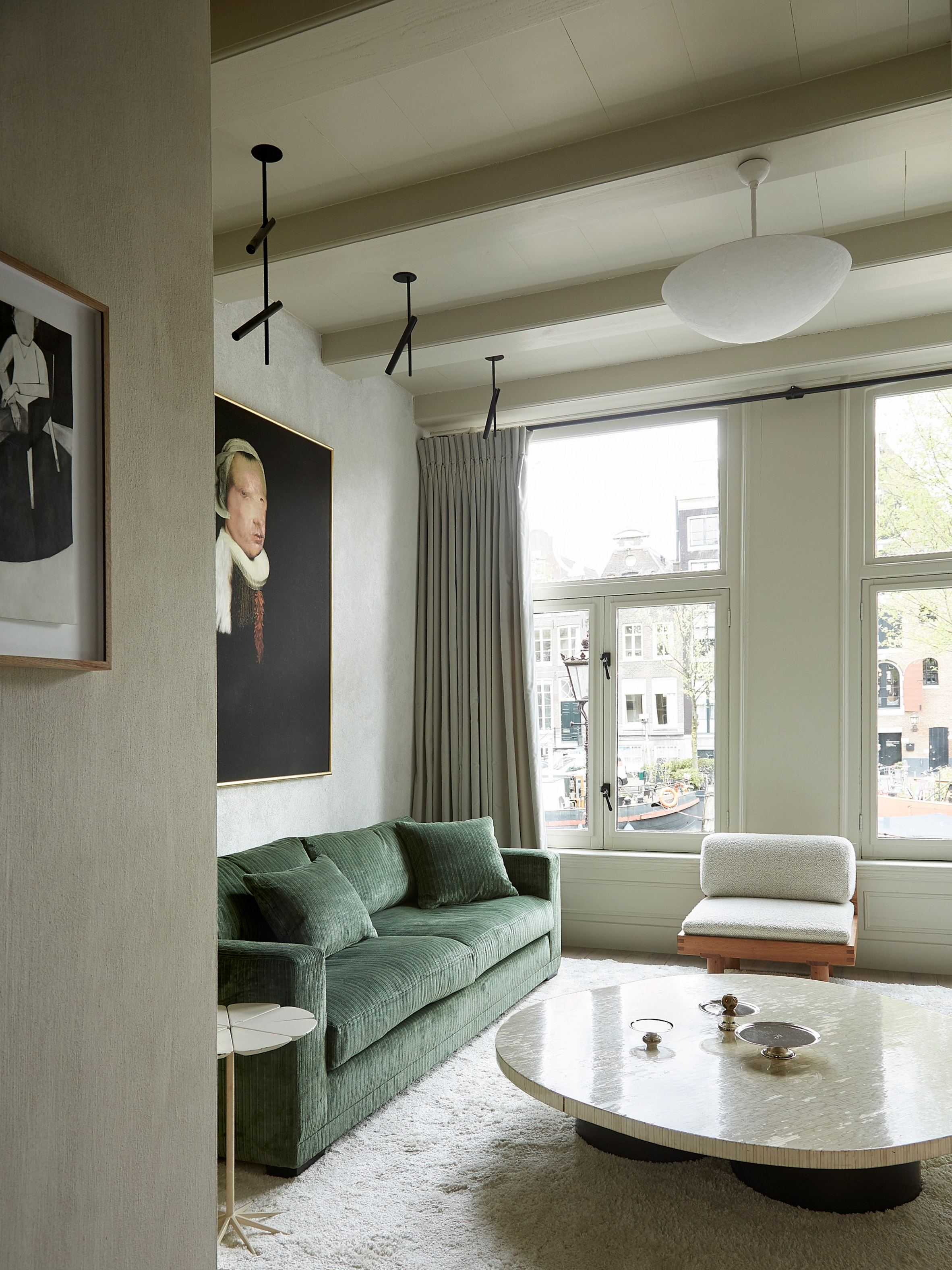 Canal house in Amsterdam by Thomas Geerlings of Framework Studio