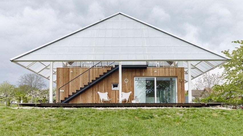 House with a greenhouse in Chlum, Czech Republic, by RicharDavidArchitekti