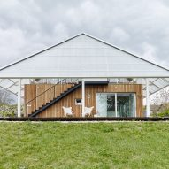 RicharDavidArchitekti tops Czech home with a greenhouse