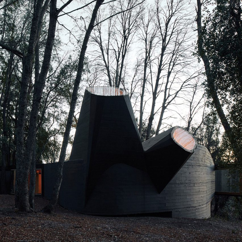 House for the Poem of the Right Angle by Smiljan Radić