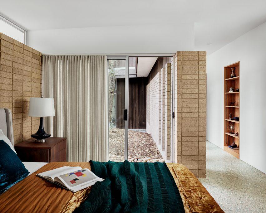 Inglewood Residence by Mark Odom Studio