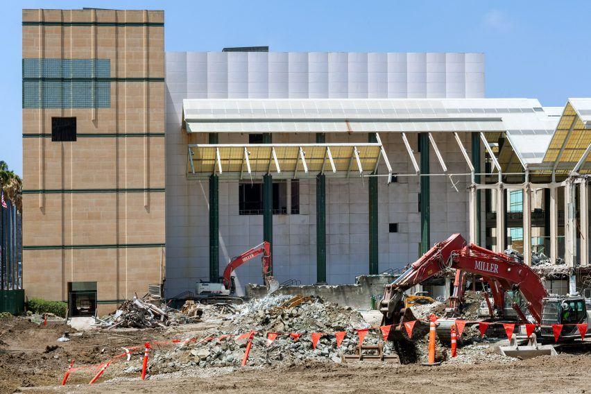 Photography reveals demolition of LACMA buildings during coronavirus pandemic