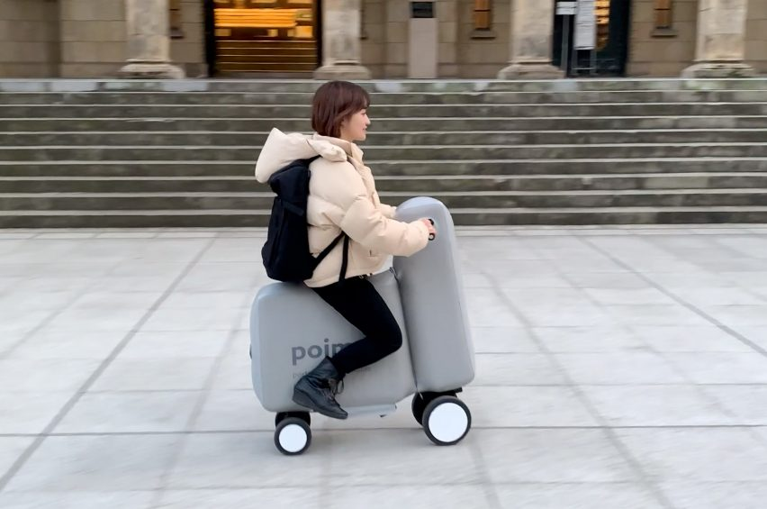 Poimo is an inflatable electric scooter that can be transported inside a backpack