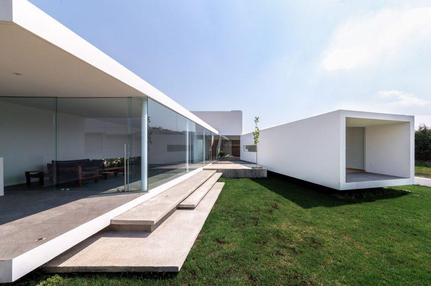 San Antonio House by Juárez R Arquitecto