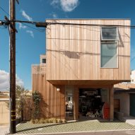 Ras-A Studio builds Walk-Street House near the beach in California