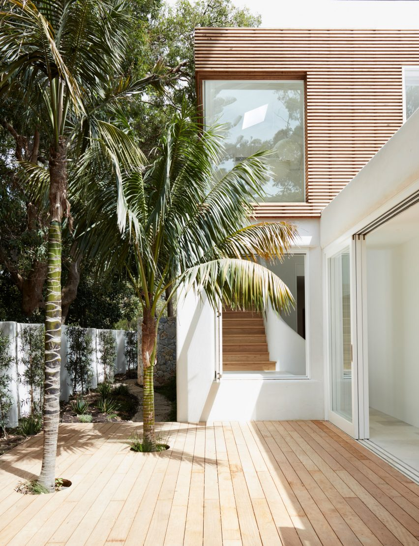 Woorak House in Palm Beach, Sydney designed by CM Studio
