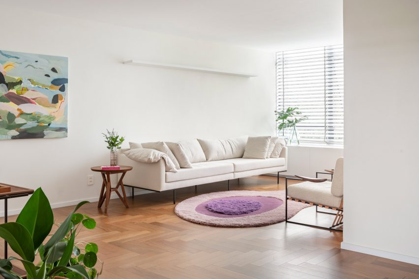 308 S Apartment by BLOCO Arquitetos