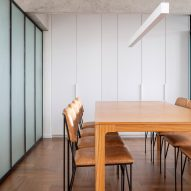 308 S Apartment by BLOCO Arquitetos