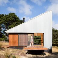 Maguire + Devin builds minimalist off-grid cabin retreat on Bruny Island