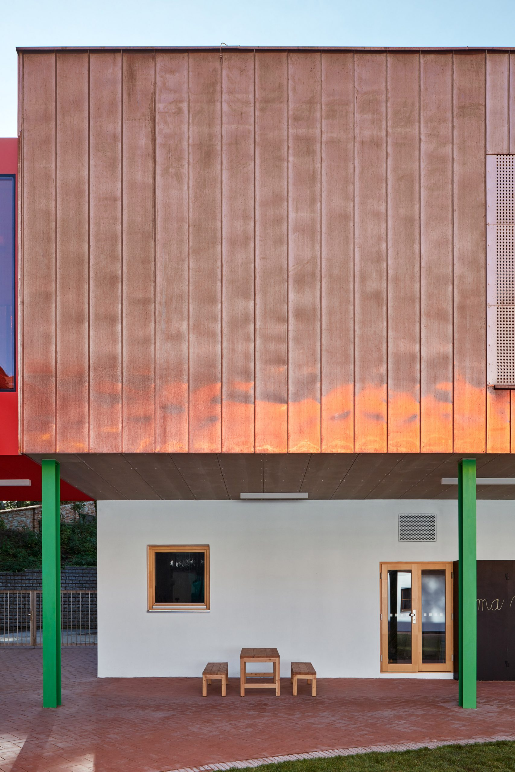Elementary School Vřesovice by Public Atelier and FUUZE
