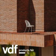 Expormim presents an outdoor rug and two chairs at VDF products fair