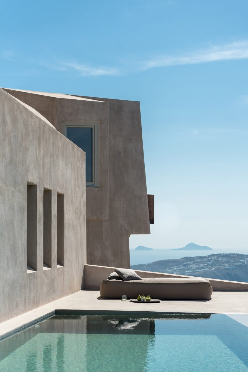 House in Pyrgos by Kapsimalis Architects