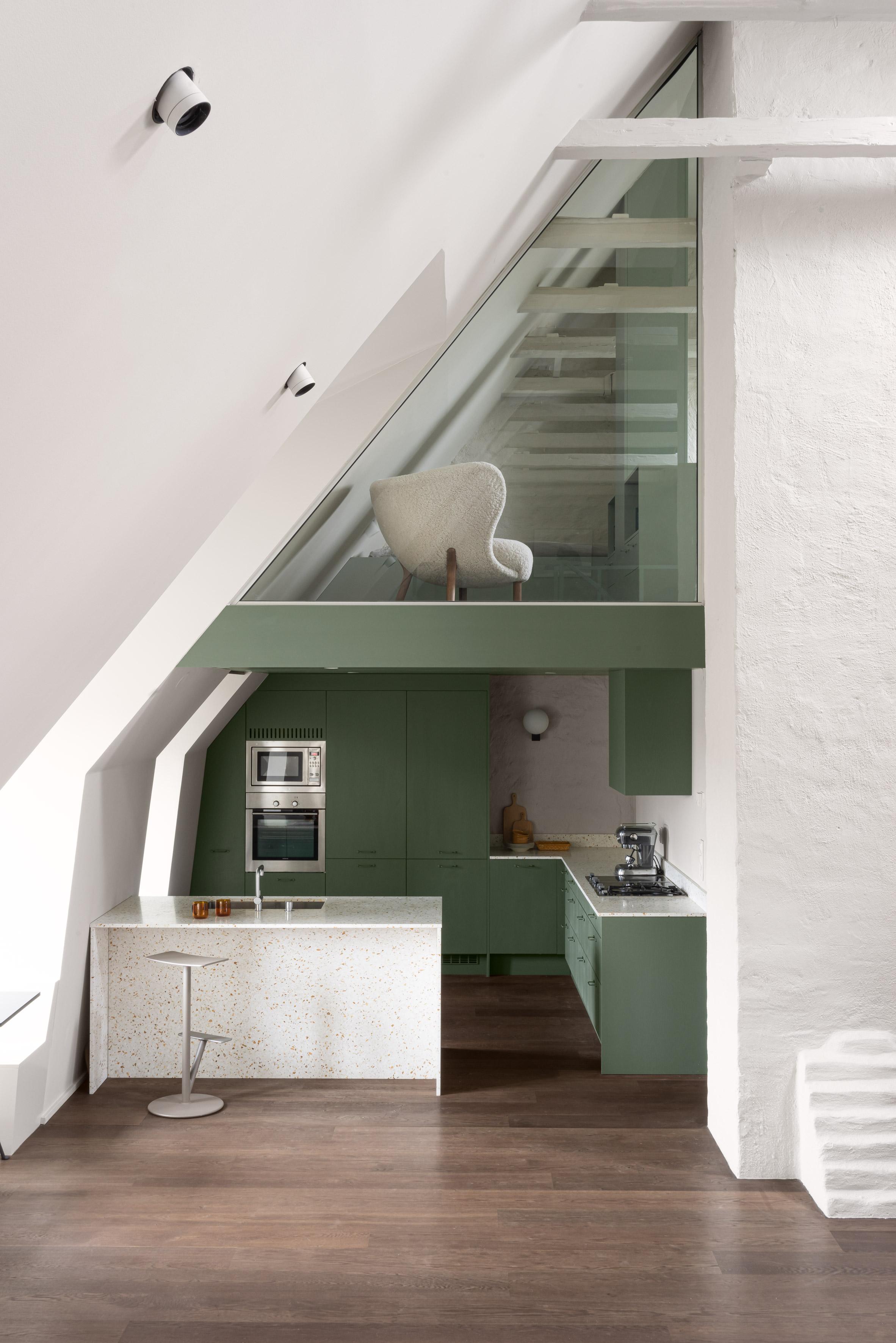 The Mantelpiece Loft by Note Design Studio