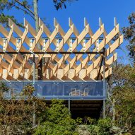 Kengo Kuma completes stilted Mikuni Izukogen restaurant with a criss-cross roof