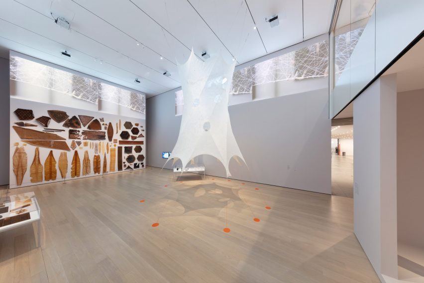 Movie captures making of Neri Oxman pavilion spun by 17,532 silkworms