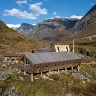 Tungestølen Tourist Cabin at Jostedalen glacier in Norway by Snøhetta