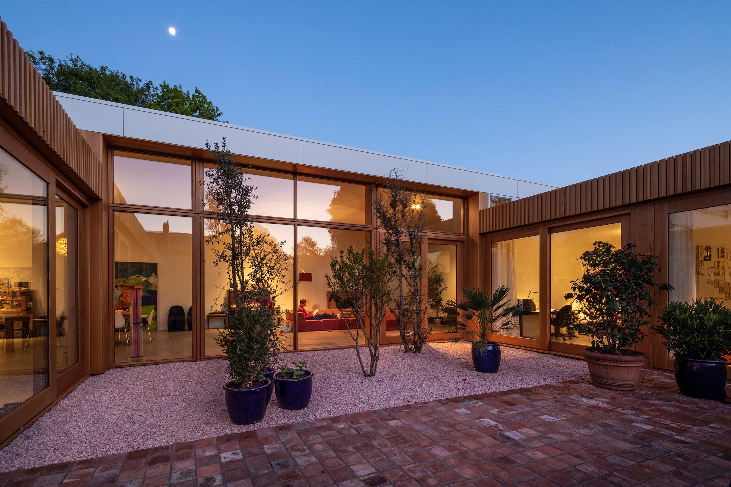 Villa Stardust by MVRDV