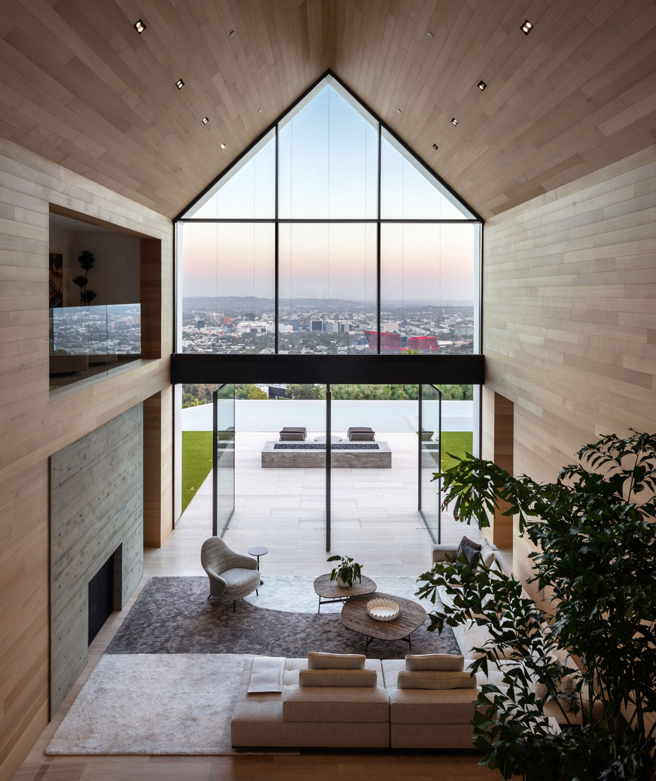 1471 Forest Knoll by Standard Architecture