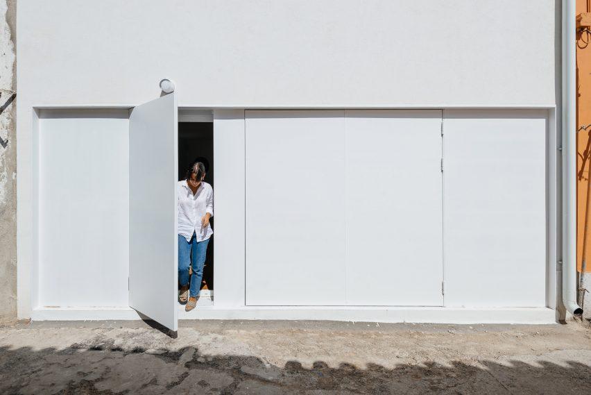 Casa Bartolomeu Dias projetada por Aurora Arquitectos