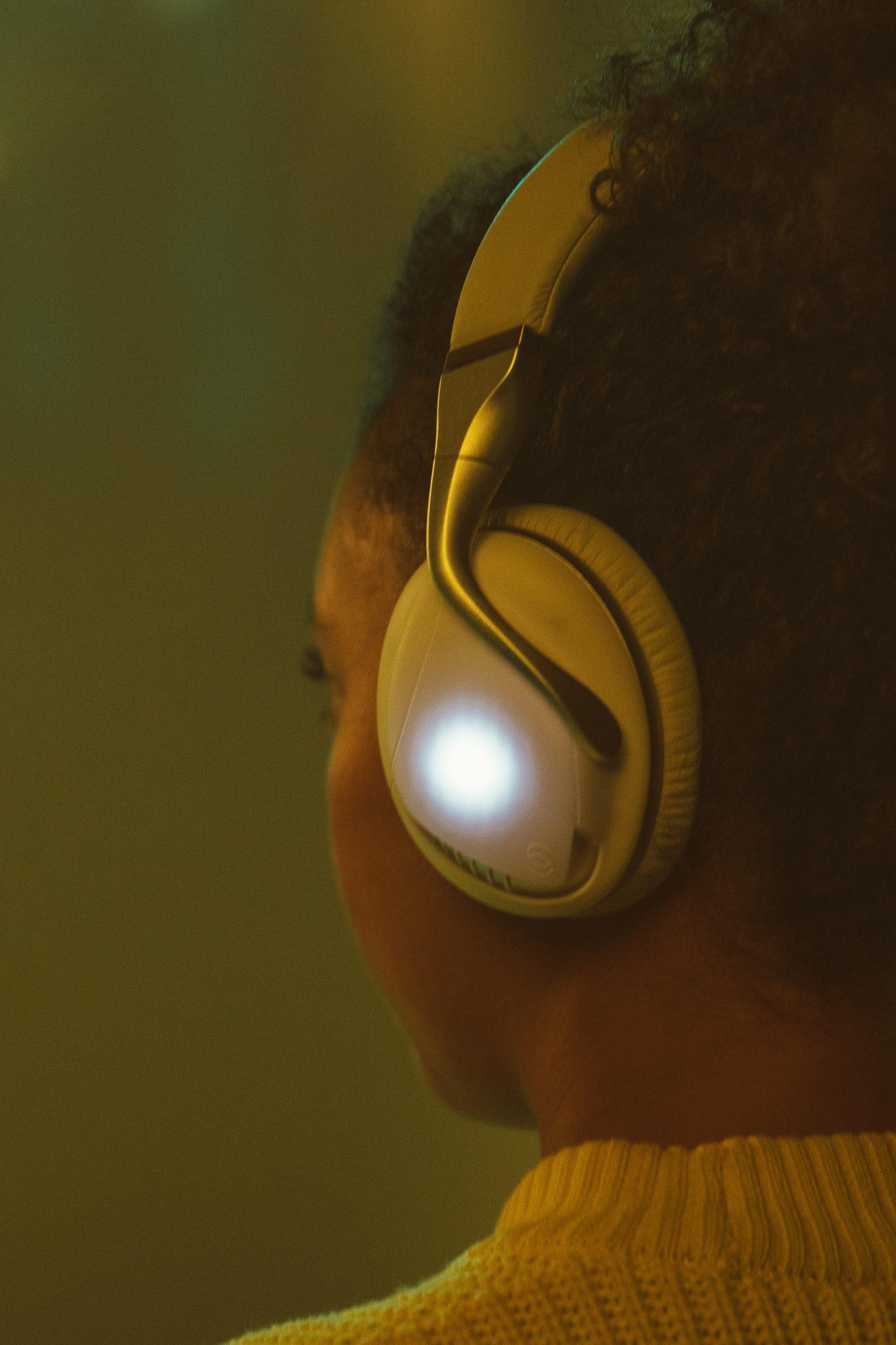 Iris flow headphones